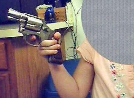 bimbo-pistola